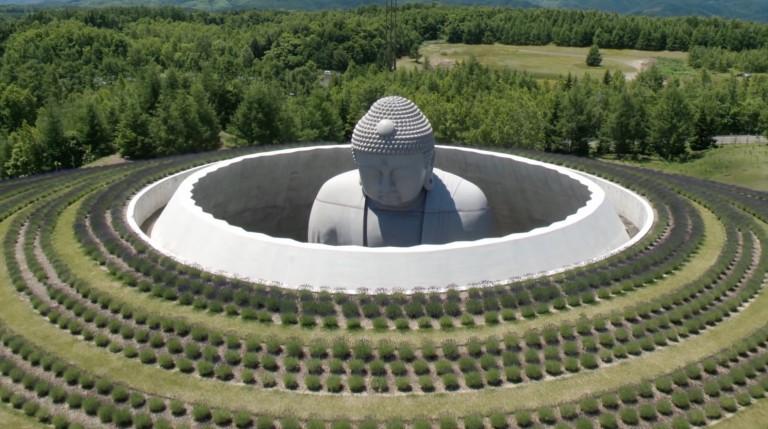 tượng phật khổng lồ của kiến trúc sư Tadao Ando